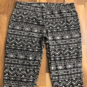 Maurices Pants - Maurices Size XL Aztec Print Stretch Leggings